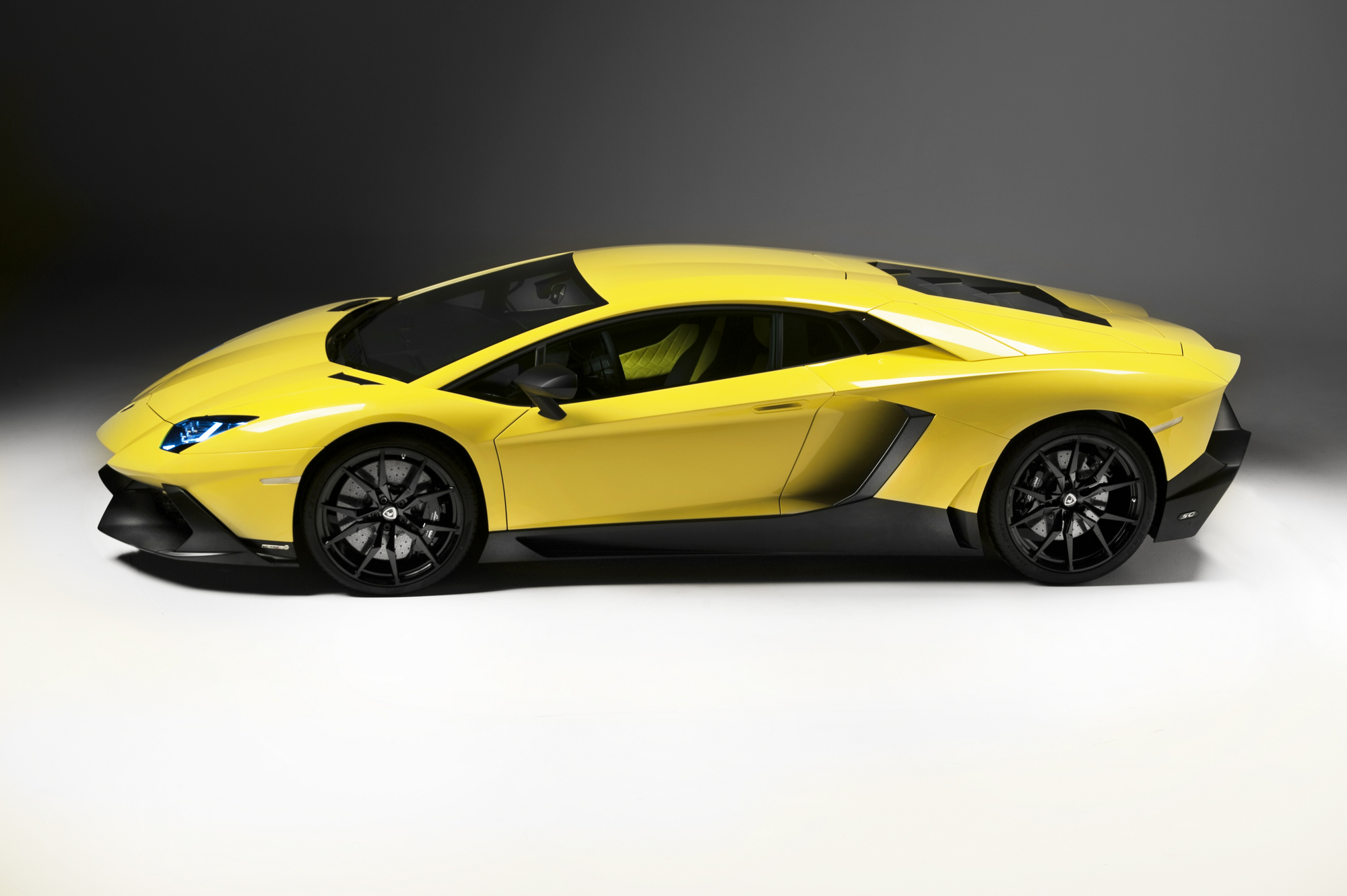 is all painted matte black Lamborghini Aventador Yellow And Black