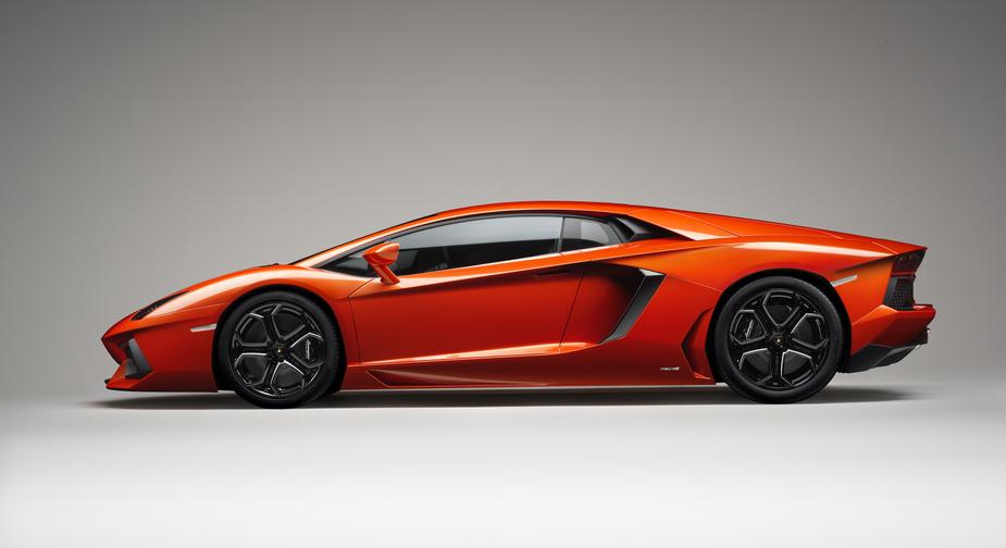 Lamborghini Aventador LP 700-4 :: 55 photos and 81 specs :: autoviva.com