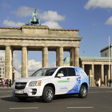 Opel's Fuel Cell development flies to Berlin's new airport