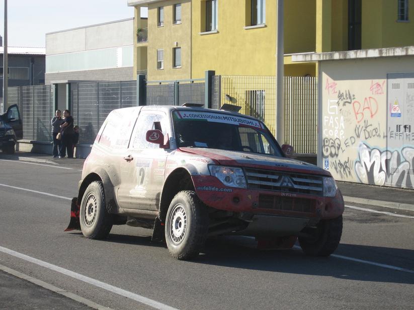 Mitsubishi Pajero VR-II :: 1 photo and 60 specs :: autoviva.com