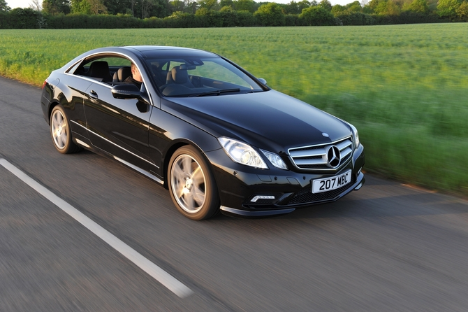 mercedes-benz e 220 cdi blueefficiency coupé avantgarde photo