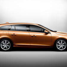 Volvo V60 2.0T Kinetic Powershift