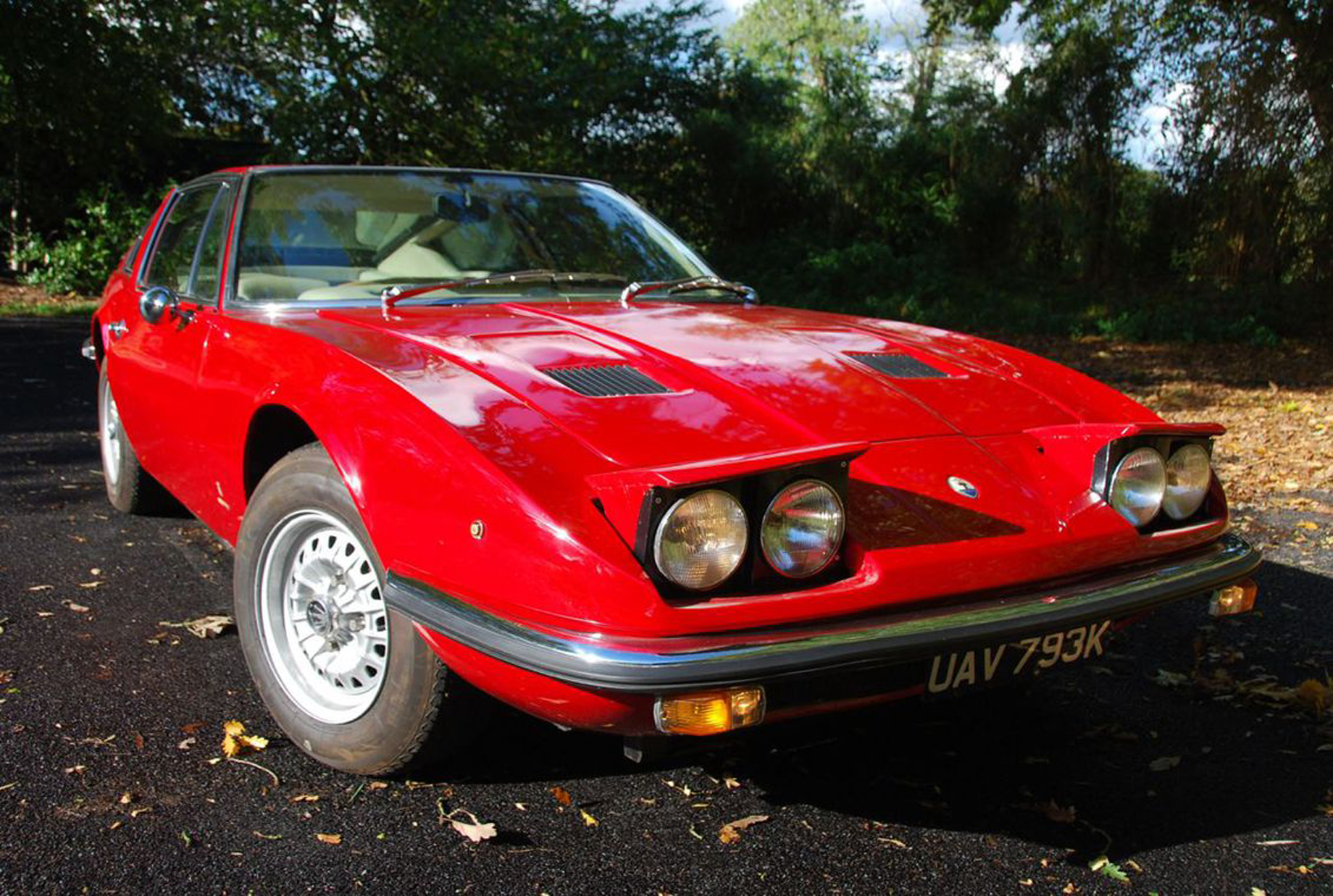 It was one of Vignale's final designs before being bought be De Tomaso