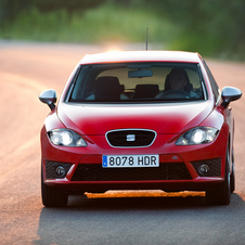 Seat Adds Spicy Leon FR+ with Bigger Engine to Leon Line-up, Cupra R Upgraded