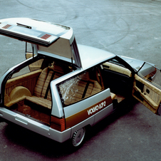The rear seats faced backwards for safety