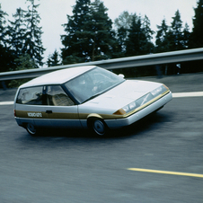 The design eventually morphed into the Volvo 480