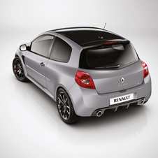 Renaultsport Clio 200 Raider Brings Formula 1 Trim to 50 Limited Cars