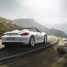 The new Boxster Spyder is equipped with a six-cylinder boxer engine with 3.8 liters with a 375hp output