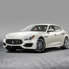 The GranSport trim focuses on giving a sporty character to the Quattroporte