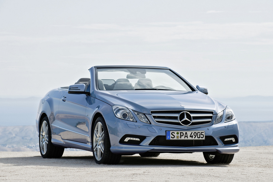 mercedes benz e 220 cdi blueefficiency cabriolet 2 photos and 59 specs. Black Bedroom Furniture Sets. Home Design Ideas
