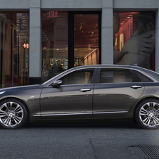The new CT6 has an estimated kerb weight of less than 1700kg