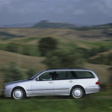 Mercedes-Benz E 200 Kompressor Station Wagon AT