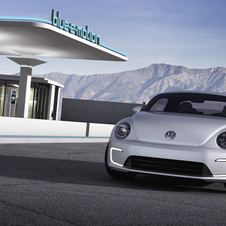 VW electrifies NAIAS with E-Bugster and Jetta Hybrid