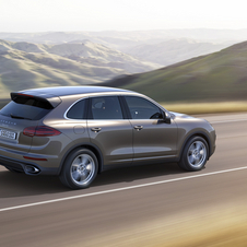 The new Cayenne is powered by a 3.6-liter V6 engine with 300hp combined with the new eight-speed Tiptronic S transmission
