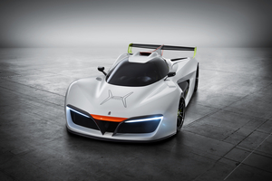 The H2 Speed ​​is equipped with two electric racing engines which are powered by a hydrogen fuel cell. With an output of 503hp