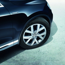 Touareg Edition X Marks Model's 10th Anniversary with Style