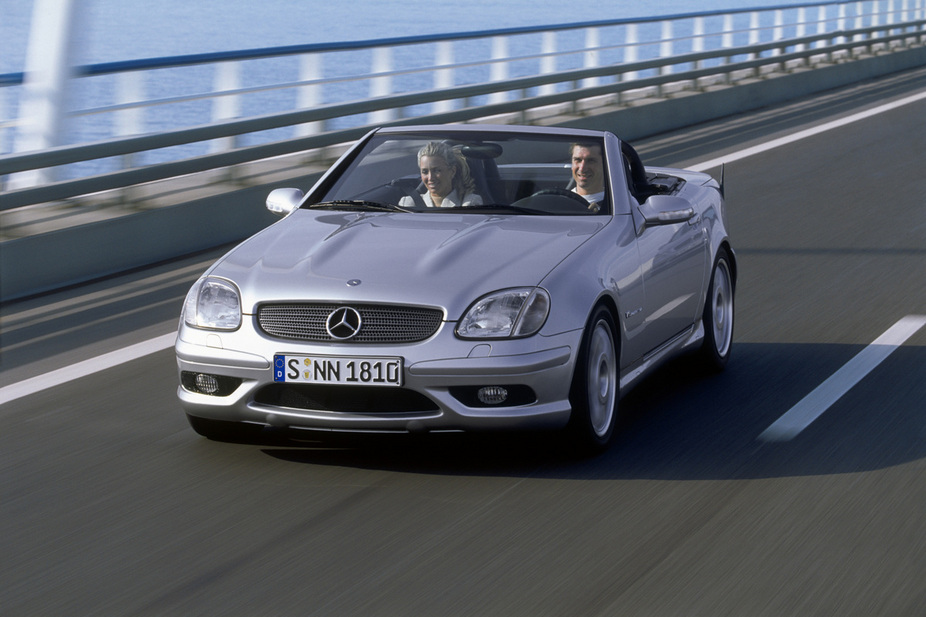 mercedes benz slk 32 amg 3 photos and 87 specs. Black Bedroom Furniture Sets. Home Design Ideas