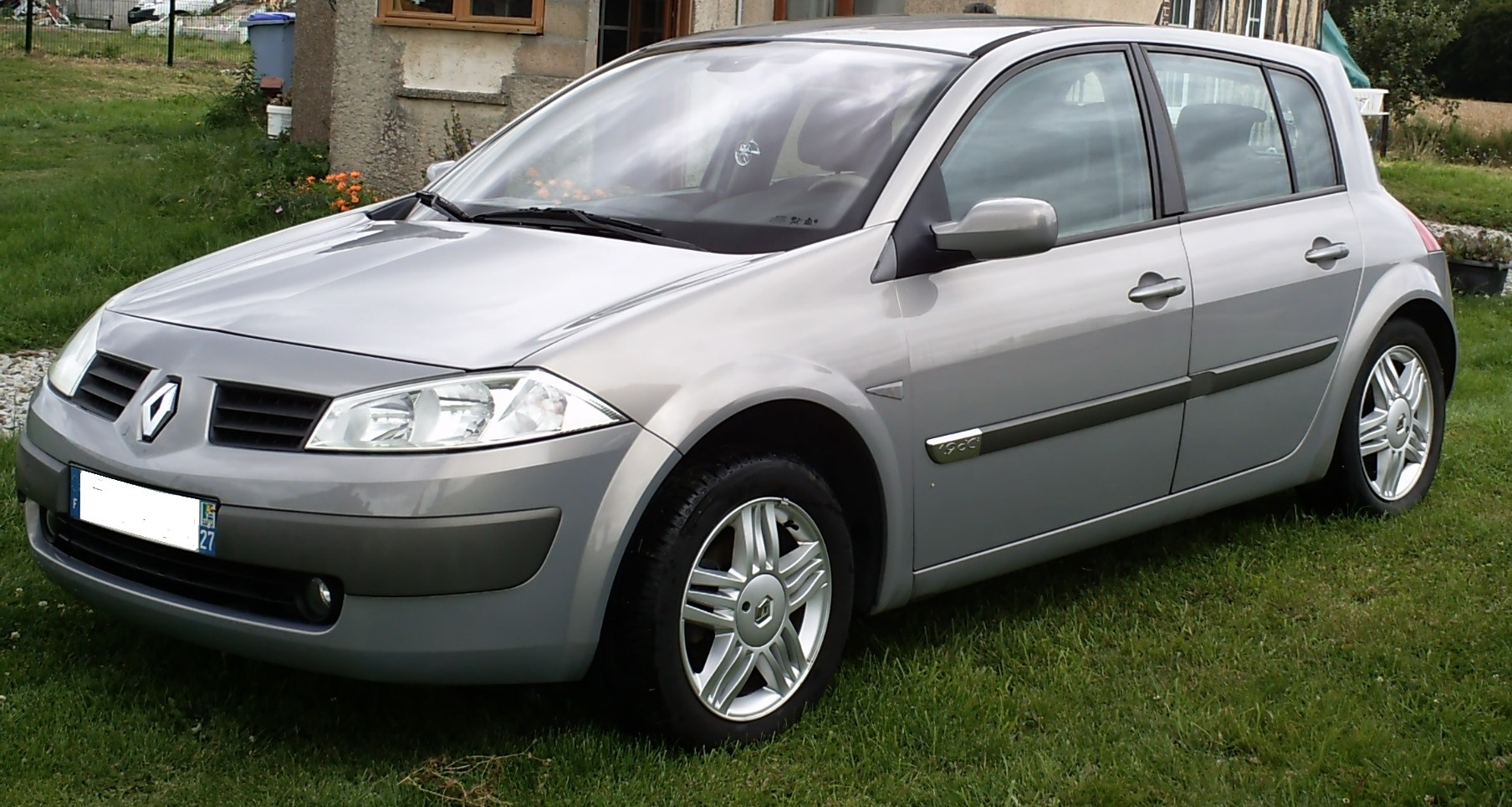 renault megane ii hatchback 120 slideshow. Black Bedroom Furniture Sets. Home Design Ideas