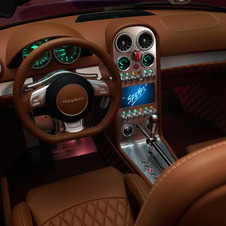 The interior shows the traditional Spyker high level of quality
