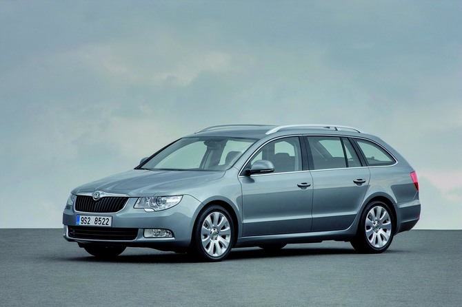 skoda superb break 2 0i tdi 140 hp dsg comfort photo skoda gallery 1265 views. Black Bedroom Furniture Sets. Home Design Ideas