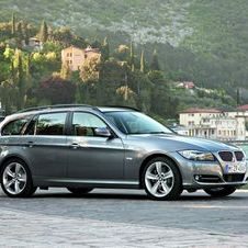 BMW 320i Touring Edition Lifestyle
