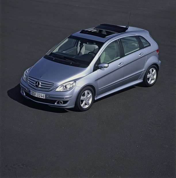 mercedes benz b 180 cdi 1 photo and 69 specs. Black Bedroom Furniture Sets. Home Design Ideas