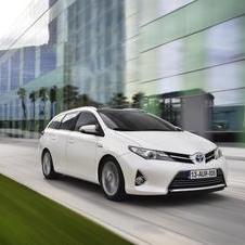 New Toyota Auris Sports Tourer Ready to Hit Dealers