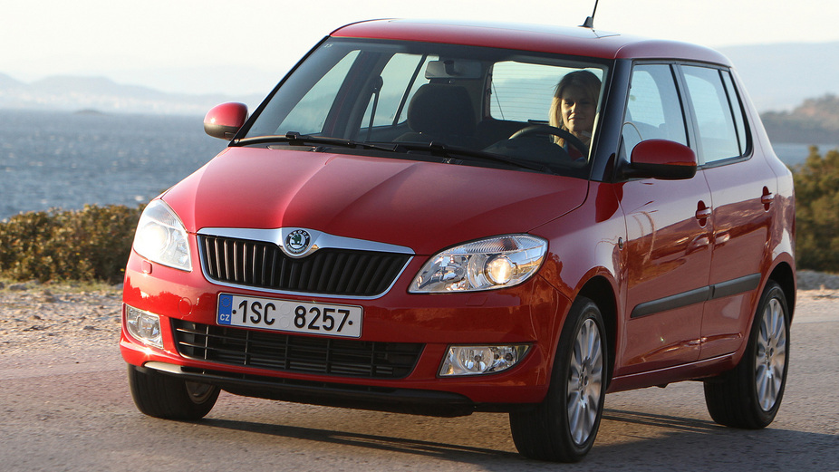skoda fabia 1 2 tdi active 1 photo and 57 specs. Black Bedroom Furniture Sets. Home Design Ideas