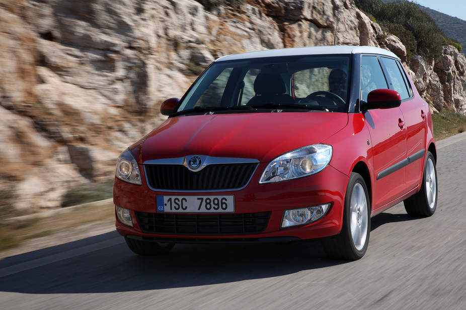 skoda fabia 1 2 tsi classic 1 photo and 57 specs. Black Bedroom Furniture Sets. Home Design Ideas