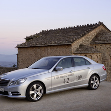 The E300 BlueTEC Hybrid points the way to the future for the brand's sedans
