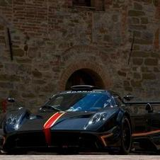 It is based on the Zonda R