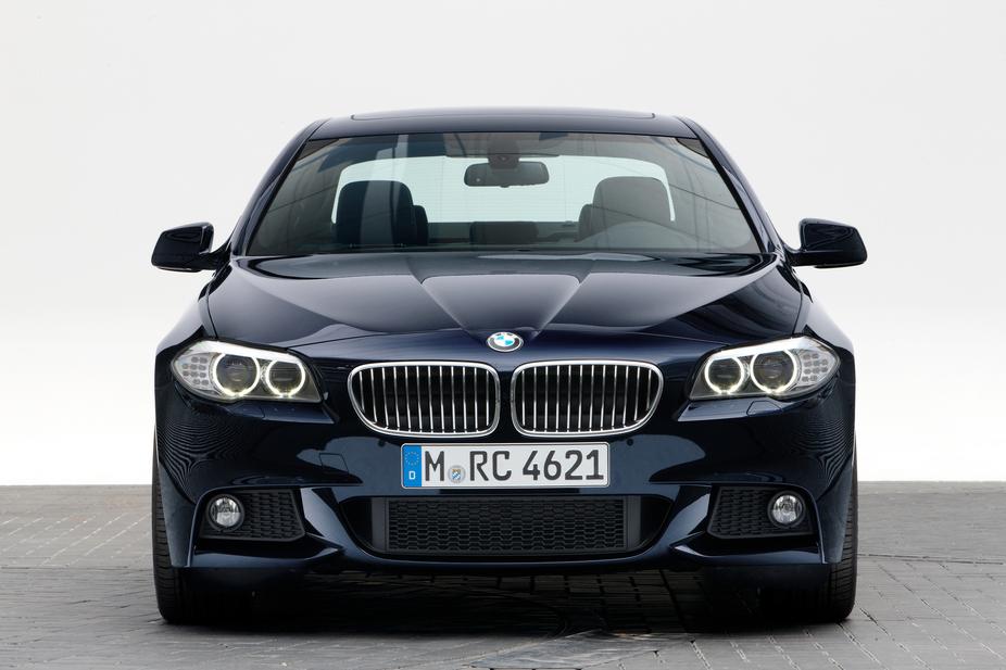 BMW 528i M Sport  1 photo  autovivacom