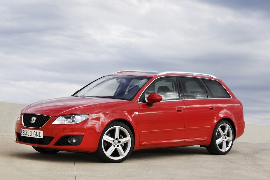 seat exeo st 2 0 tdi dpf cr style 3 photos and 62 specs. Black Bedroom Furniture Sets. Home Design Ideas