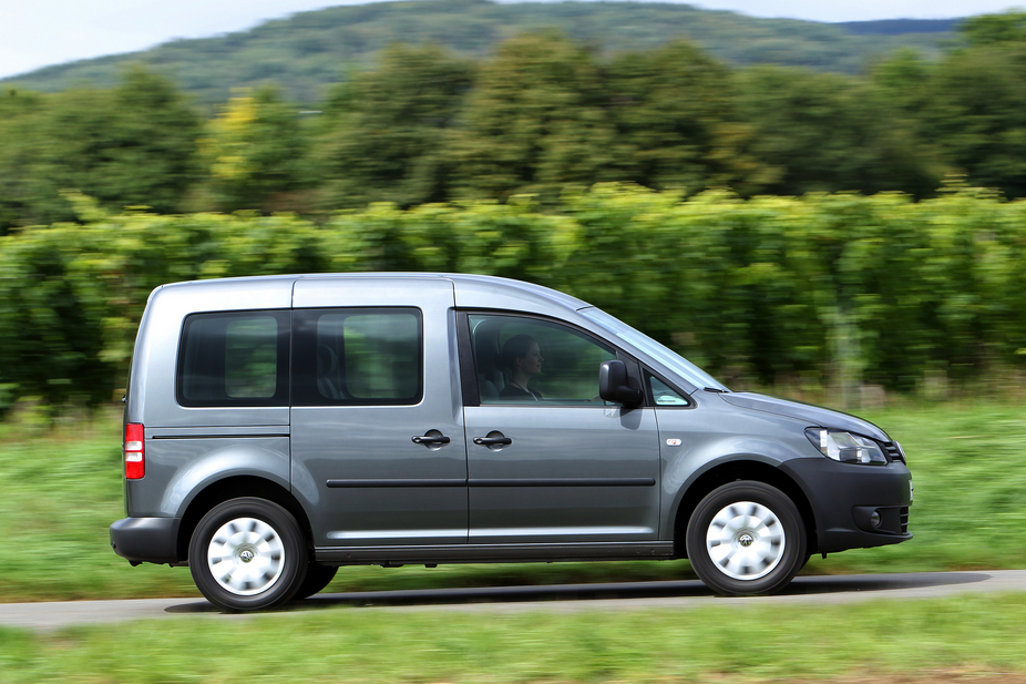 volkswagen caddy maxi 1 6 crd tdi combi trendline 2 photos and 46 specs. Black Bedroom Furniture Sets. Home Design Ideas