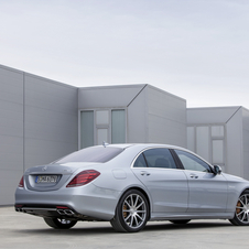 The extra-long wheelbase version may carry the Maybach name