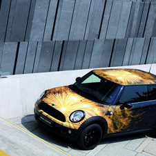 Mario Testino worked on the 2007 Mini