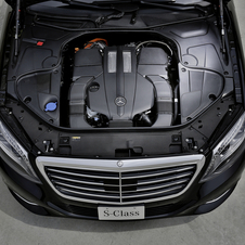 The internal combustion engine is a 3.0-liter turbocharged V6