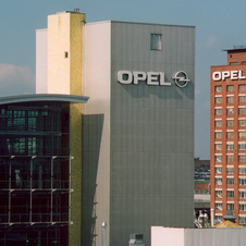GM tried to sell Opel to PSA for most of last year