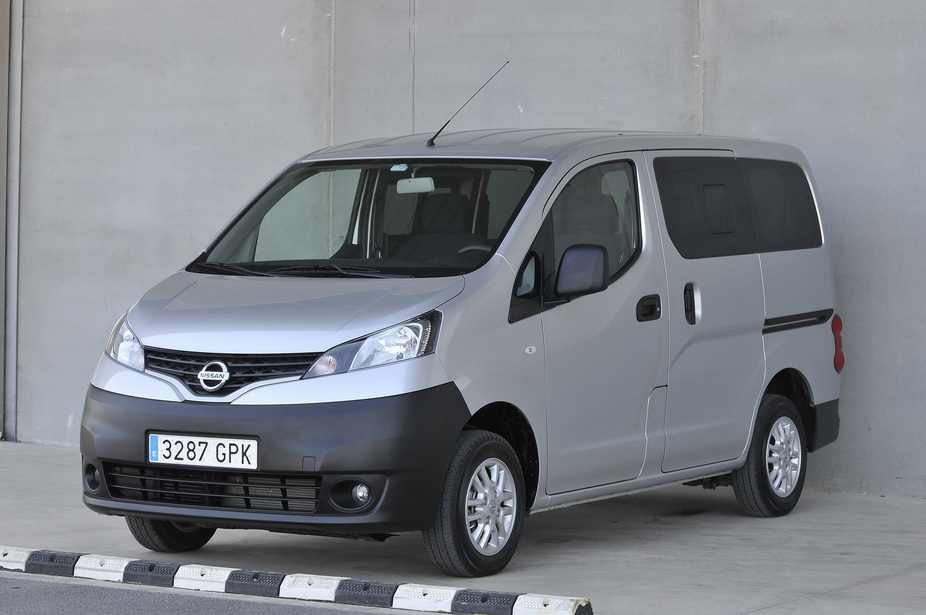 nissan nv200 combi 1 5 dci dpf comfort 1 photo and 5. Black Bedroom Furniture Sets. Home Design Ideas