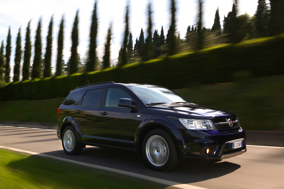 Fiat Freemont Offers Full Size Suv For Europe News