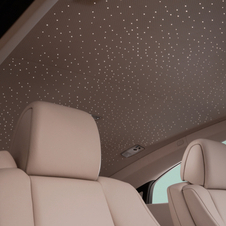 Wraith seats four passengers in an interior ambiance complemented by Starlight Headliner