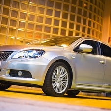 Suzuki Brings Kizashi to UK for 2012