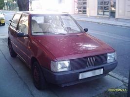 Fiat Uno 70SX :: 3 photos and 35 specs :: autoviva.com