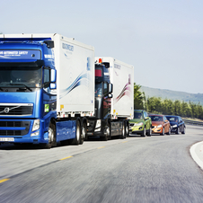 The project road train includes a manually driven lead truck, which is followed by one truck and three Volvo cars.