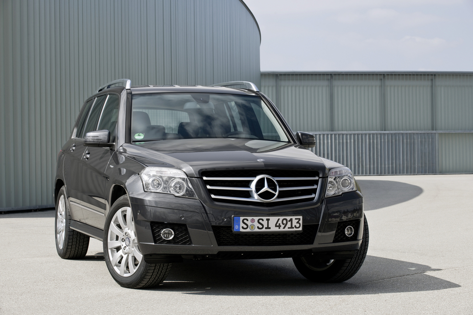 Mercedes Benz Glk 200 Cdi Be 2 Photos And 60 Specs Autoviva Com