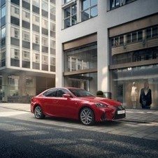 Lexus IS 300h F SPORT+