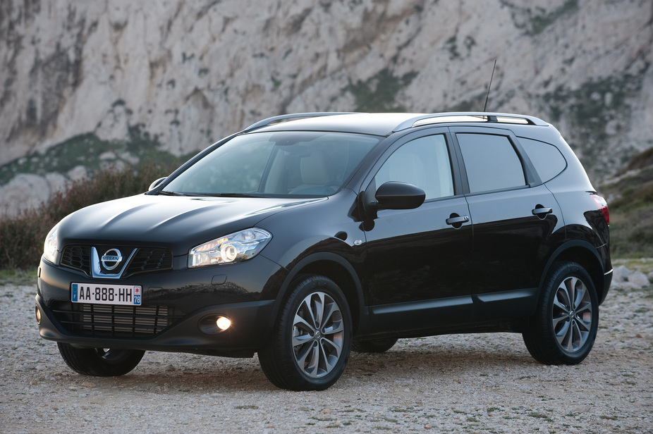 nissan qashqai 2 1 6 dci acenta 4x2 1 photo and 5 specs. Black Bedroom Furniture Sets. Home Design Ideas