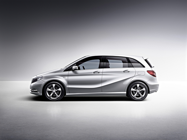 mercedes benz b 200 cdi blueefficiency sports tourer photo mercedes benz b class gen 2 w246. Black Bedroom Furniture Sets. Home Design Ideas