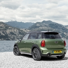 The new version of the Countryman Cooper S saw its power increased by 7hp compared to the previous version and now features 190hp