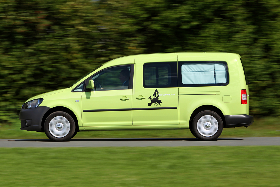 volkswagen caddy tramper maxi 2 0 tdi trendline dsg 1 photo and 11 specs. Black Bedroom Furniture Sets. Home Design Ideas